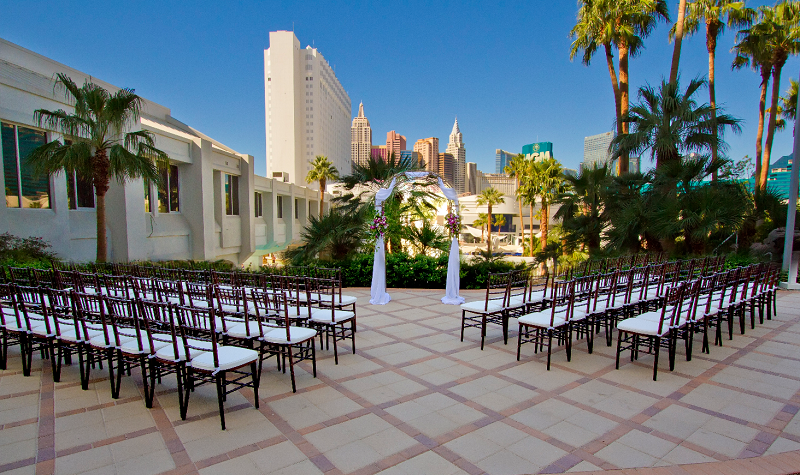 Outdoor Wedding On The Strip