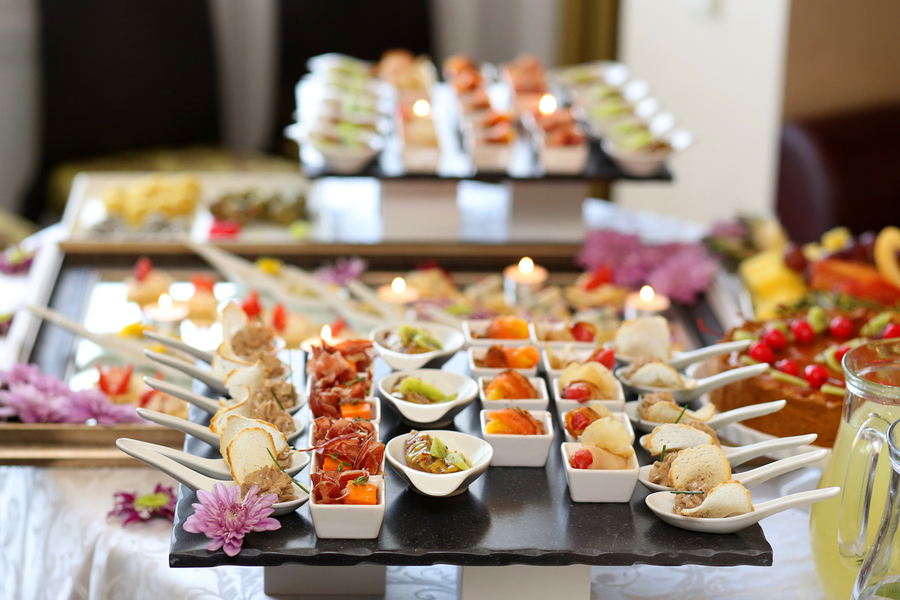 Ever After Blog: A Wedding Blog- 6 Ways To Cut Costs On Your Wedding Catering... Buffet Style