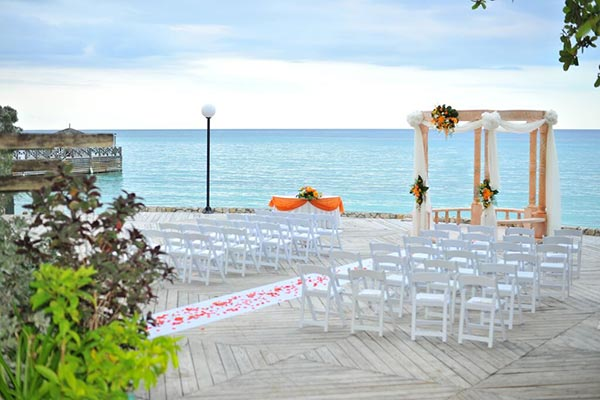 Jamaica Weddings | Destination Weddings | Oceanfront Wedding