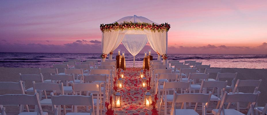 Jamaica Weddings | Destination Weddings | Romantic Beach Ceremony