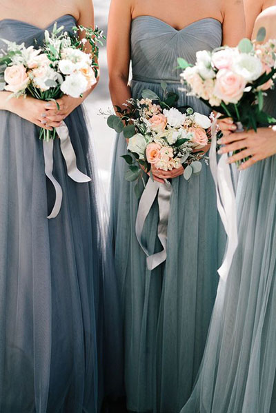 Wedding Flower Ideas | Bridemaids Bouquets with Ribbon