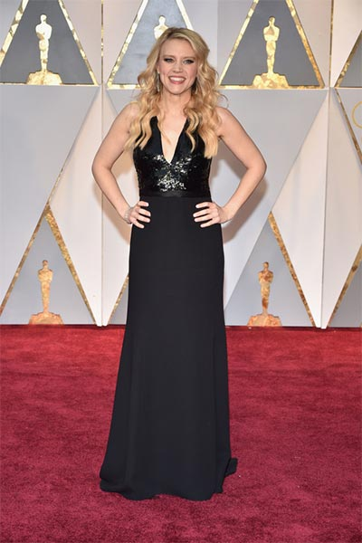 Kate McKinnon in Narciso Rodriguez | Oscars | Wedding Fashion
