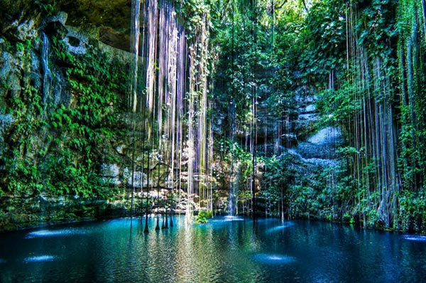 Cenote in Rivieria Maya | Destination Wedding Weekend Ideas for Guests
