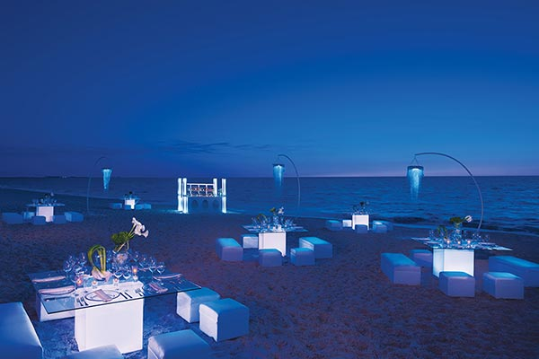 Destination Weddings in Mexico | Rivieria Maya | Modern and Casual Beach Wedding Reception