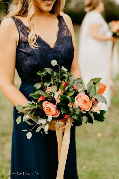 Coral and Greenery Bridesmaid Bouquet | Coral Wedding Ideas | Pantone Color of the Year | Peach Weddings