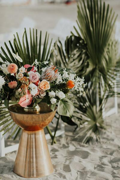 Tropical Coral Beach Wedding | Coral Wedding Ideas | Pantone Color of the Year | Peach Weddings